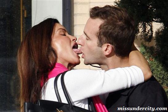 Janice Dickenson Kissing